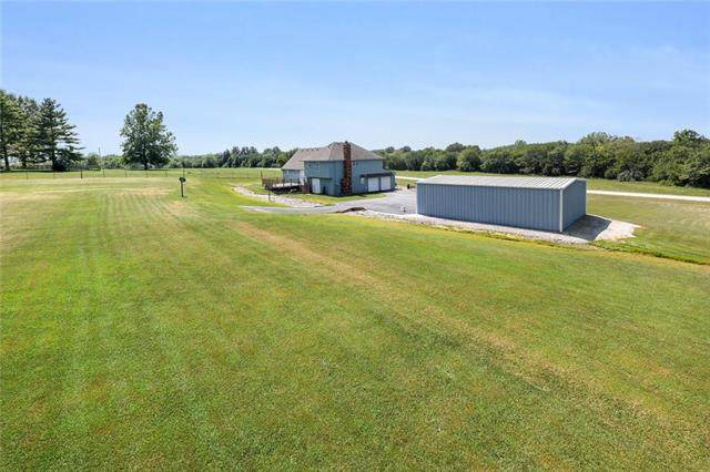 22007 S Hatfield Road, Peculiar, MO 64078 (#2239833) :: House of Couse Group