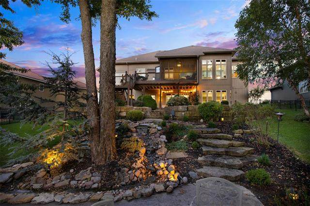4424 NE Shadow Valley Circle, Lee's Summit, MO 64064 (#2240692) :: Ron Henderson & Associates