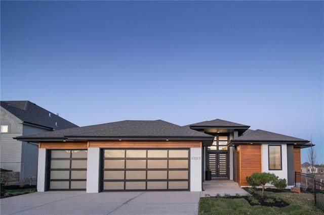 17317 Bradshaw Street, Overland Park, KS 66221 (#2242165) :: House of Couse Group