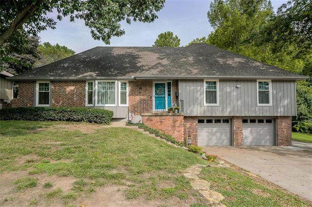 4421 S Mills Street, Independence, MO 64055 (#2242757) :: Jessup Homes Real Estate   RE/MAX Infinity