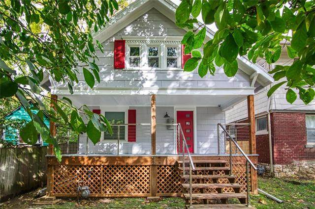 708 E 40 Street, Kansas City, MO 64110 (#2246666) :: Edie Waters Network