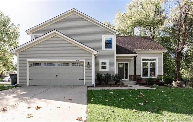 14241 W 121st Terrace, Olathe, KS 66062 (#2246869) :: Ron Henderson & Associates