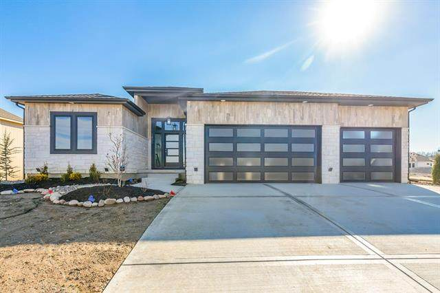 1805 SW River Run Drive, Lee's Summit, MO 64082 (#2248112) :: Team Real Estate