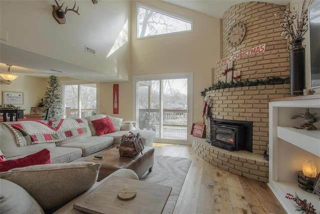621 NW North Shore Drive, Lake Waukomis, MO 64151 (#2256739) :: Audra Heller and Associates