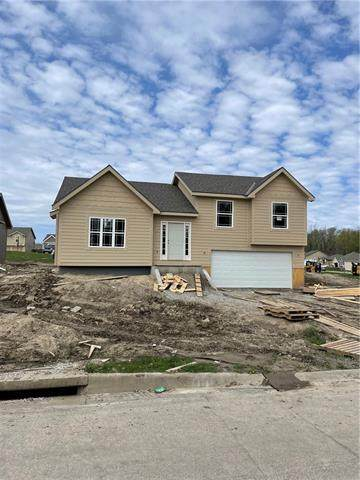5318 Crystal Drive, St Joseph, MO 64503 (MLS #2257801) :: Stone & Story Real Estate Group