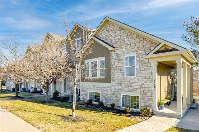 11181 S Woodsonia Drive, Olathe, KS 66061 (#2259069) :: Ron Henderson & Associates