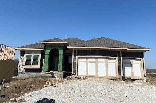 13454 W 146th Terrace, Olathe, KS 66062 (#2302974) :: The Rucker Group