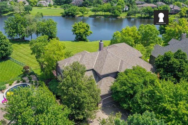 14931 Outlook Lane, Overland Park, KS 66223 (#2307470) :: Dani Beyer Real Estate