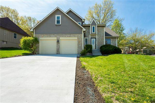 11043 W 109th Street, Overland Park, KS 66210 (#2308815) :: The Rucker Group