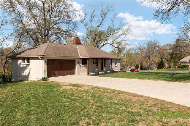 7900 Outlook Street, Prairie Village, KS 66208 (#2313030) :: Dani Beyer Real Estate