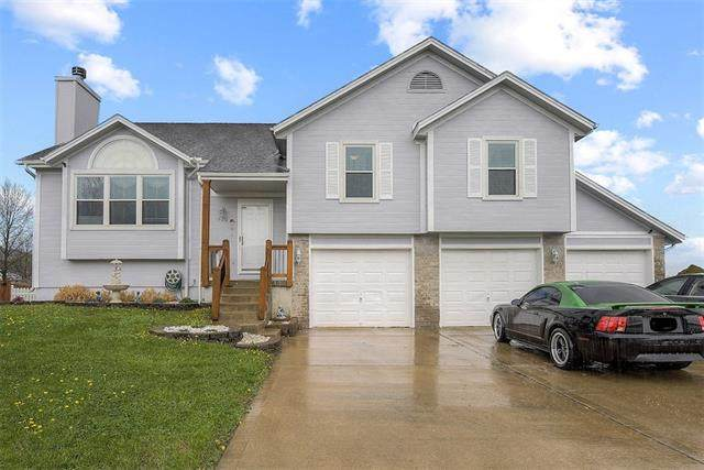 500 SW Graystone Drive, Grain Valley, MO 64029 (#2313924) :: Audra Heller and Associates