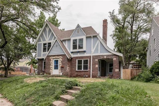 700 E Gregory Boulevard, Kansas City, MO 64131 (#2316648) :: Austin Home Team