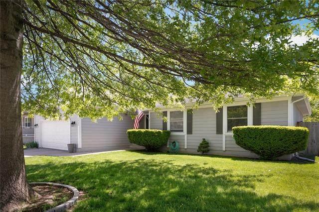 2043 NE Patterson Drive, Lee's Summit, MO 64086 (#2321368) :: Eric Craig Real Estate Team