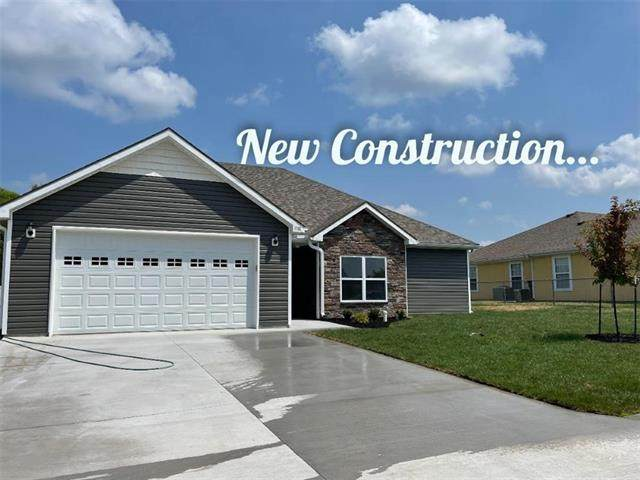 1700 W 6th St Terrace, Knob Noster, MO 65336 (#2321412) :: Five-Star Homes