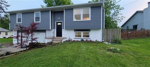 9501 W 49th Street, Merriam, KS 66203 (#2323342) :: Team Real Estate