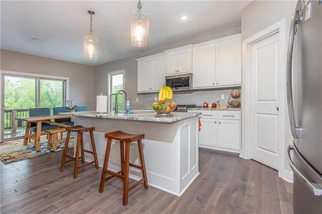 8458 Valley Spring Drive, De Soto, KS 66018 (#2323563) :: Audra Heller and Associates