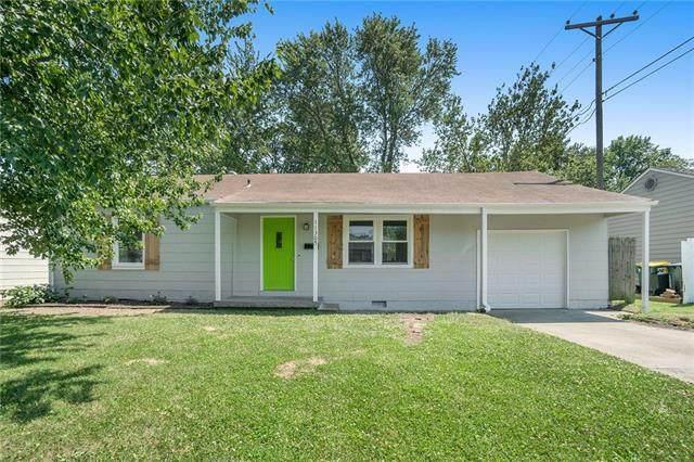11305 W 70th Street, Shawnee, KS 66203 (#2323901) :: ReeceNichols Realtors
