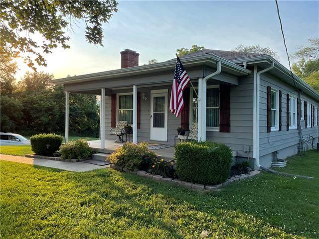 14824 W 63rd Street, Shawnee, KS 66216 (#2326050) :: The Shannon Lyon Group - ReeceNichols