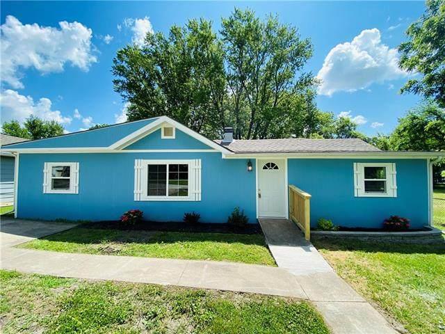 211 Valley Street, Excelsior Springs, MO 64024 (#2326524) :: Ron Henderson & Associates