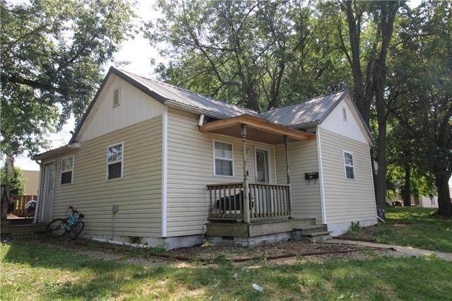 204 W Pearl Street, Savannah, MO 64485 (#2327447) :: Edie Waters Network