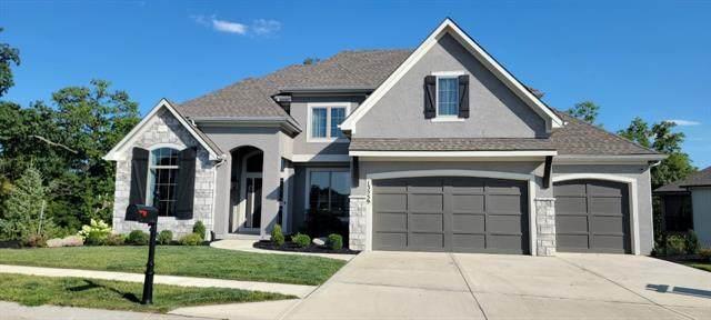 13559 Terrace Park Drive, Parkville, MO 64152 (#2327758) :: Audra Heller and Associates