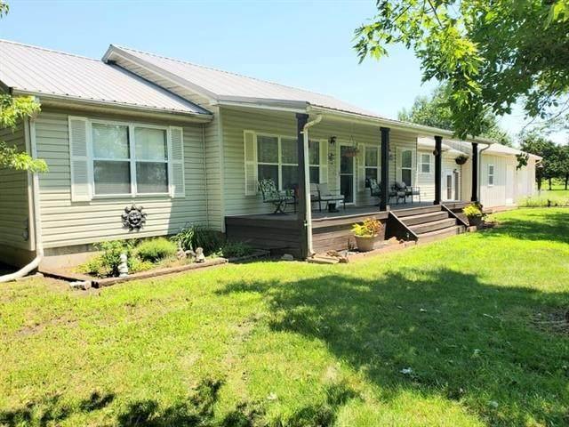 310 W Elm Street, Blue Mound, KS 66010 (MLS #2331468) :: Stone & Story Real Estate Group