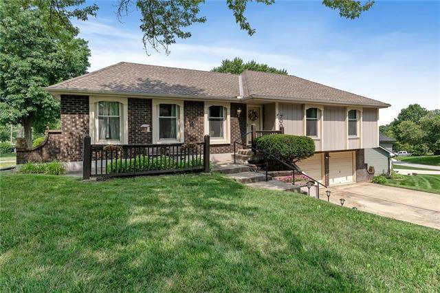 7000 N Winan Avenue, Kansas City, MO 64152 (#2333729) :: Eric Craig Real Estate Team