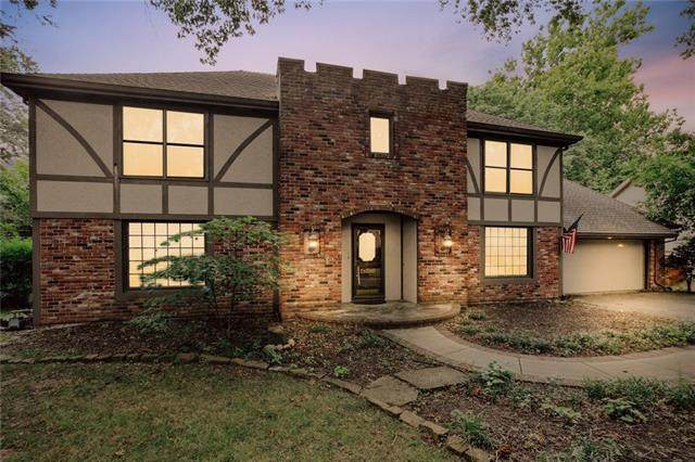 10134 Hardy Drive, Overland Park, KS 66212 (#2335999) :: Tradition Home Group | Compass Realty Group