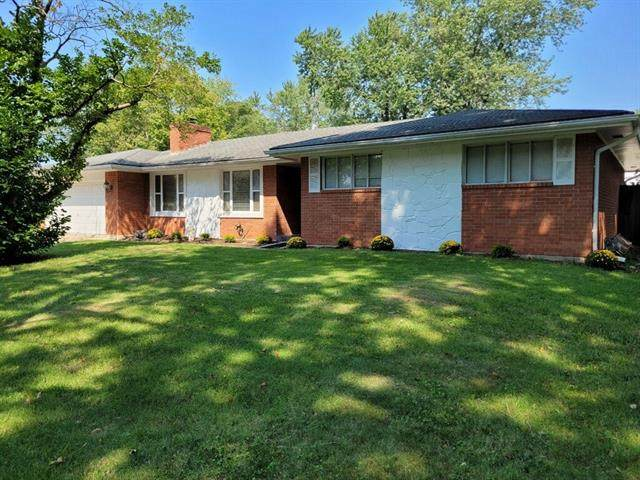 602 NE 87th Terrace, Kansas City, MO 64155 (#2338724) :: Austin Home Team