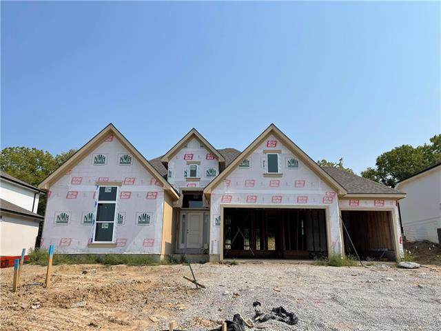 7155 NW Forest Lakes Drive, Parkville, MO 64152 (#2343268) :: The Rucker Group