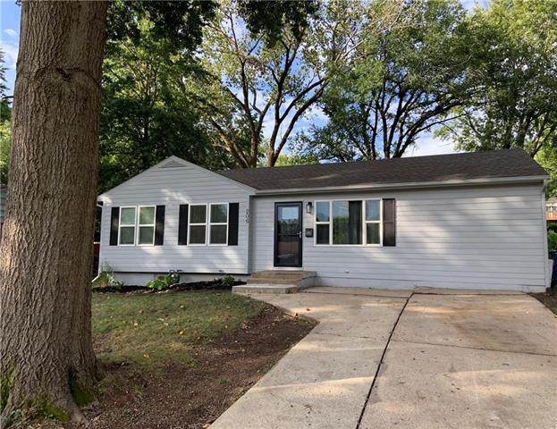 206 N Kendall Drive, Independence, MO 64056 (#2345609) :: The Rucker Group