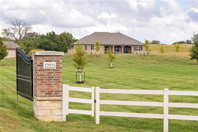 12521 SE 169 Highway, Gower, MO 64454 (MLS #2352449) :: Stone & Story Real Estate Group