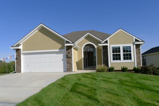 4308 NE 71st Terrace, Kansas City, MO 64119 (#1751121) :: Char MacCallum Real Estate Group