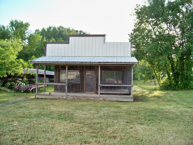 105 N Union Street, Mclouth, KS 66054 (#1779809) :: Carrington Real Estate Services