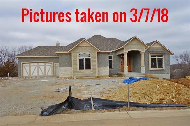 25359 W 105TH Terrace, Olathe, KS 66061 (#2025107) :: Edie Waters Team