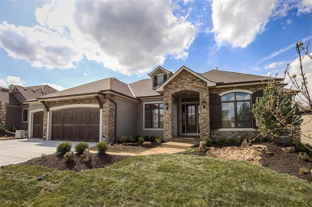 1012 Bridgeshire Drive, Raymore, MO 64083 (#2036633) :: Char MacCallum Real Estate Group