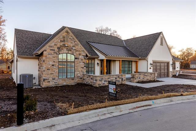 3901 W 85th Street, Prairie Village, KS 66206 (#2037223) :: Clemons Home Team/ReMax Innovations