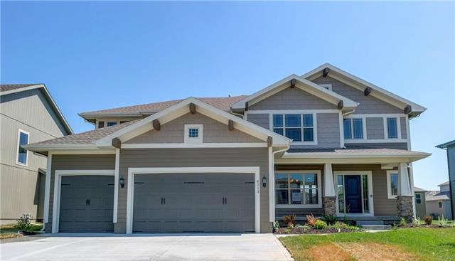 4213 SW Stoney Brook Drive, Lee's Summit, MO 64082 (#2047293) :: Char MacCallum Real Estate Group