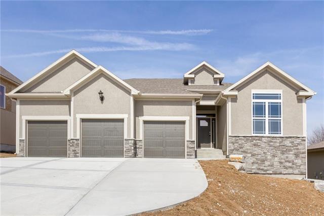 20316 W 79th Terrace, Shawnee, KS 66218 (#2058545) :: Edie Waters Network