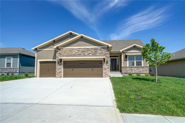 712 Gamma Grass Place, Raymore, MO 64083 (#2081736) :: Edie Waters Network