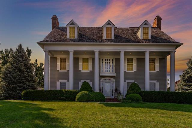 9627 N Bradford Avenue, Kansas City, MO 64154 (#2084847) :: Char MacCallum Real Estate Group