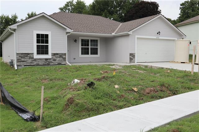 4701 E 136th Court, Grandview, MO 64030 (#2087292) :: No Borders Real Estate