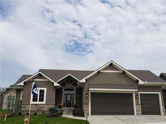 10606 W 132nd Court, Overland Park, KS 66213 (#2087472) :: The Shannon Lyon Group - ReeceNichols
