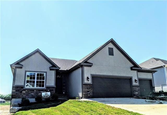 7460 NW Damon Drive, Parkville, MO 64152 (#2089601) :: Edie Waters Network