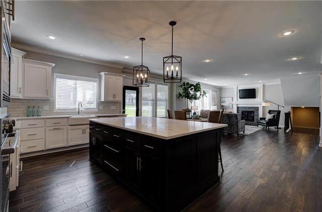 100 SE Riley Street, Blue Springs, MO 64064 (#2090030) :: Team Real Estate