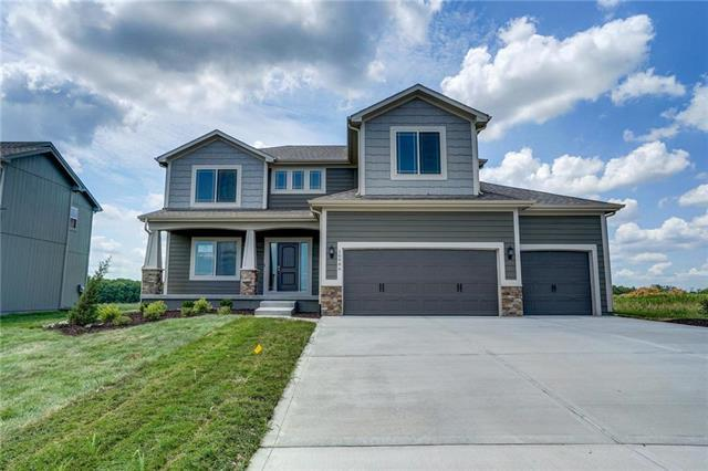 16986 S Laurelwood Street, Olathe, KS 66062 (#2091034) :: House of Couse Group