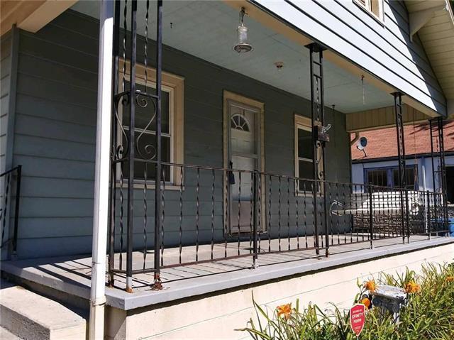 130 S Willow Avenue, Sugar Creek, MO 64053 (#2091914) :: Char MacCallum Real Estate Group