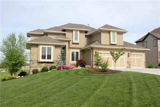 2656 W 162ND Terrace, Overland Park, KS 66085 (#2092560) :: The Shannon Lyon Group - ReeceNichols