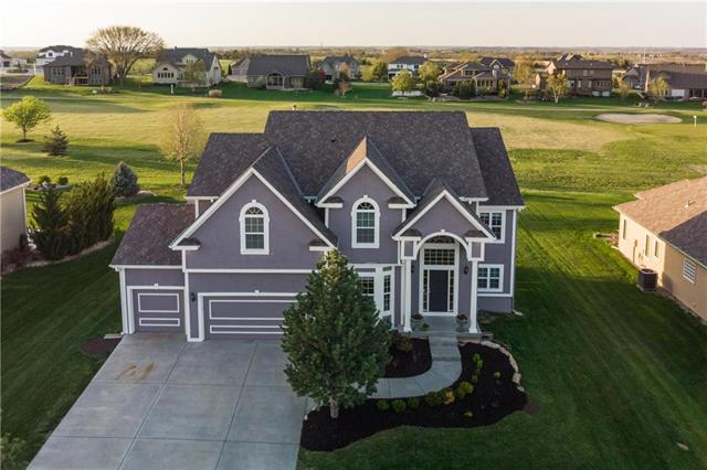 24202 W 68th Street, Shawnee, KS 66226 (#2098701) :: Char MacCallum Real Estate Group