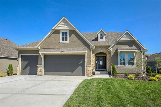 14705 Meadow Lane, Leawood, KS 66224 (#2100151) :: The Gunselman Team